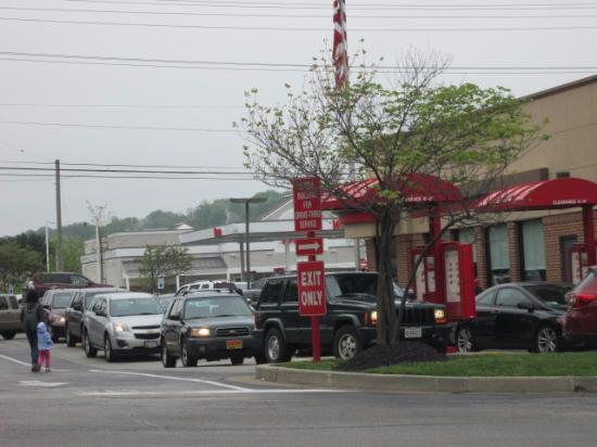 Cockeysville, MD: Avoid their two-lane, slow-moving drive-thru; faster to park and go in.