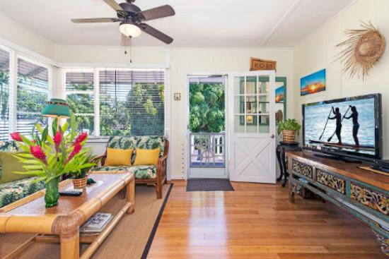 Lanikai Beach Rentals LLC: Lanikai Tree House