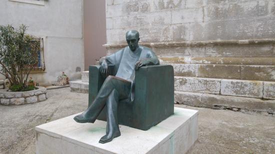 Osor, Kroatien: Sculpture 1