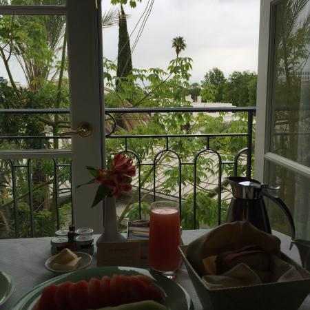 ‪‪The Peninsula Beverly Hills‬: Breakfast with a view‬