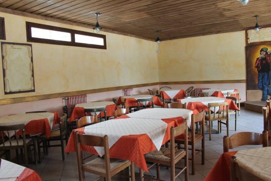 Olivetta San Michele, Italy: Una parte della sala