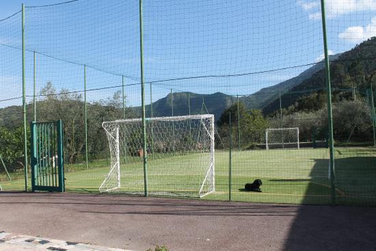 Olivetta San Michele, Italy: Campo da calcio del ristorante