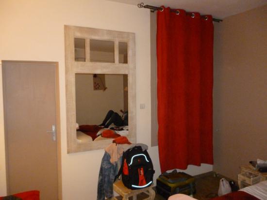 Hotel de Bordeaux: Still the first room!