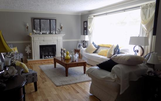 Abbott's Cape Shore Bed and Breakfast: The comfortable and beautifully decorated living room