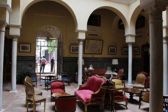 Las Casas de la Juderia: Lungt och svalt att sitta här