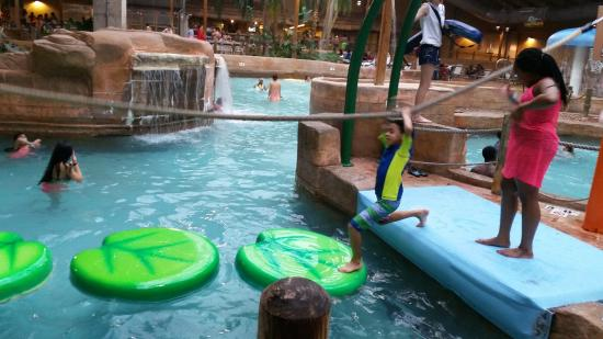 Split Rock Resort Indoor Waterpark