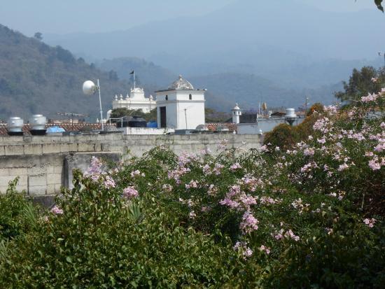 Hotel Casa Antigua: vista desde el balcón .