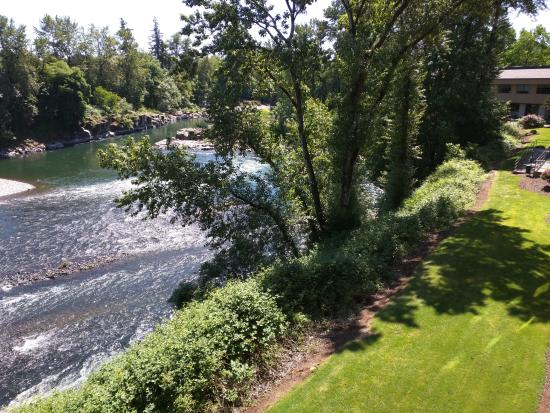 Gladstone, OR: Balcony View of the Clackamas River