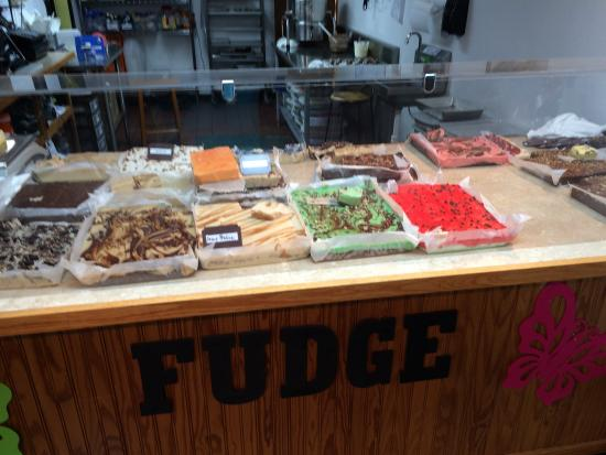 Calera, OK: Fudge Display
