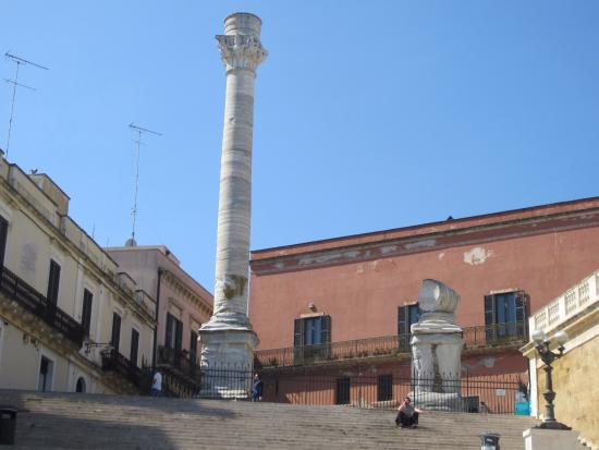 Malvasia Bed and Breakfast: Colonne Romane at end of Via Appia - just a short walk away from Malvasia B&B