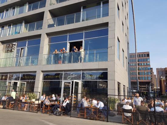 Terrible service good location picture of fellini for Fellini rotterdam