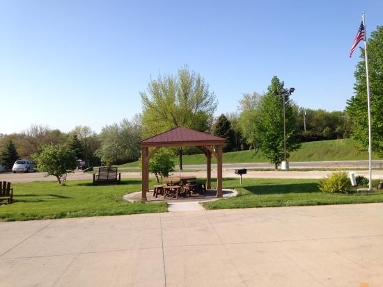 Washington, IA: Picnic area