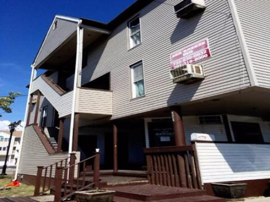 Photo of Sea-Breeze Inn Seaside Heights