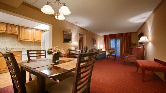 BEST WESTERN PLUS Murray Hill Hotel & Suites: Apartment Suite