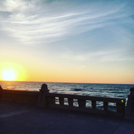 Alexandria Corniche is the main sea road and it's connecting Alexandria districts and you can en