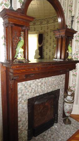 Arkadelphia, Арканзас: restored fireplace