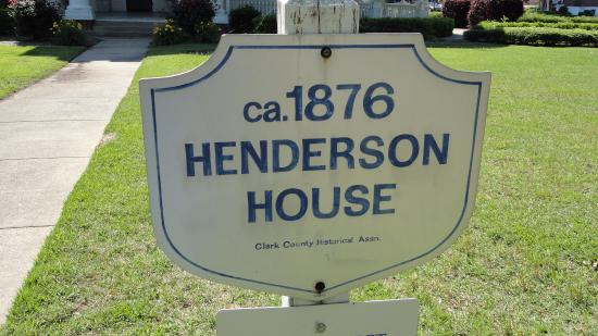 Captain Henderson House Bed and Breakfast Photo