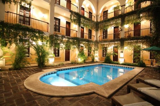 La mision de fray diego desde 1 331 m rida yucat n for Hoteles en merida con piscina