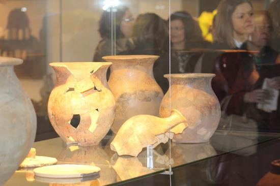Museu D. Diogo de Sousa - Museum of Archeology: utensílios domésticos reconstruidos