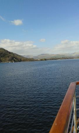 Bowness-on-Windermere, UK: scenery what more can i say stunning
