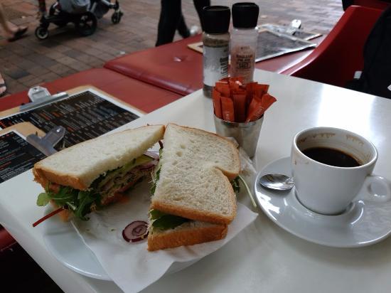 Playfair Cafe : サーモンサンドウィッチです!