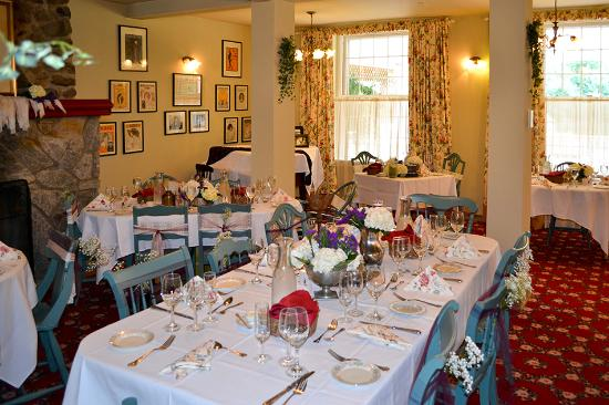 Captain Stannard House Bed and Breakfast Country Inn: Dining Room set for a party