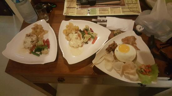 Putu Bali Villa and Spa: 20160503_201836_large.jpg
