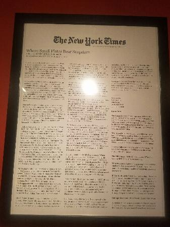Willimantic, คอนเน็กติกัต: New York Times review framed on wall