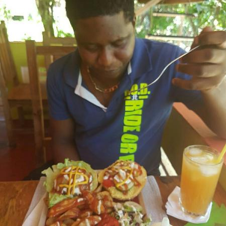 Lambeau, Tobago: IMG_20160511_214740_large.jpg