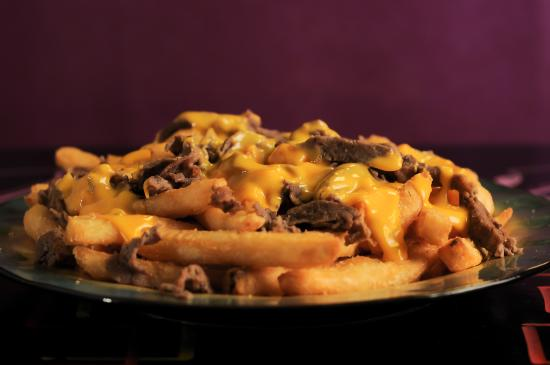 Spinelli's Pizzeria: Philly Cheesesteak Fries