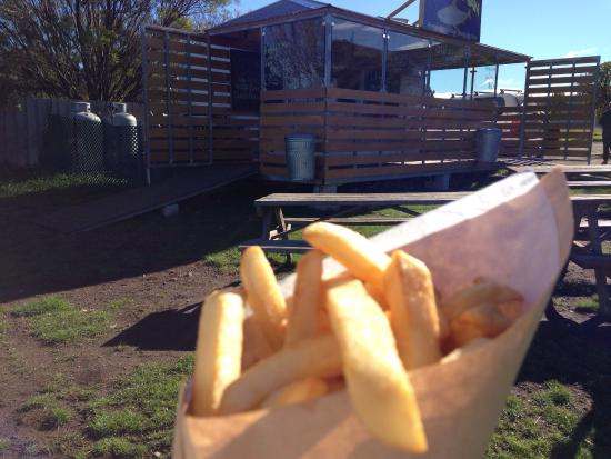 Triabunna, Australien: Chips in a cone. Smashing!
