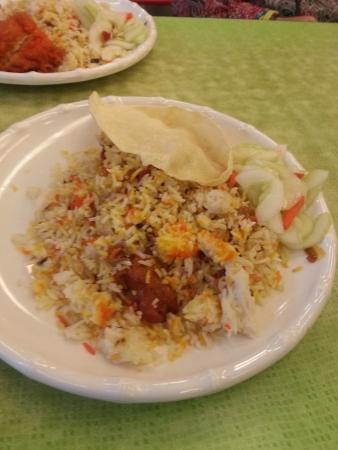 Centre Point Basement Food Court: Chicken biryani, tasty.