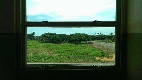 Go Hotels Dumaguete: This is the view from the