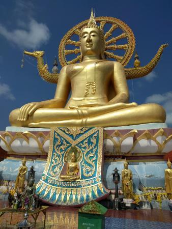 Bophut, Thailand: The statue (front)
