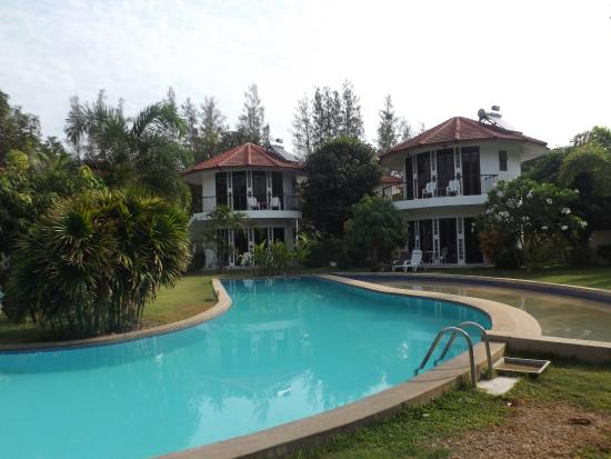Mango Spa & Resort : one of the 3 pools on site