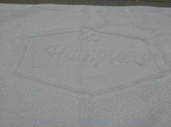 Βαρσοβία, Βόρεια Καρολίνα: You can barely see, but the floor mat says Hampton.....