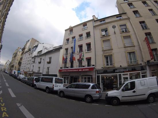 Auberge International des Jeunes : Outisde of AIJ.