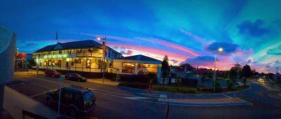 The Kentish Hotel Restaurant: Evening shot