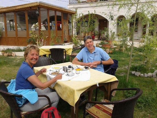 Kemal's Guest House: Heerlijk buiten ontbijten