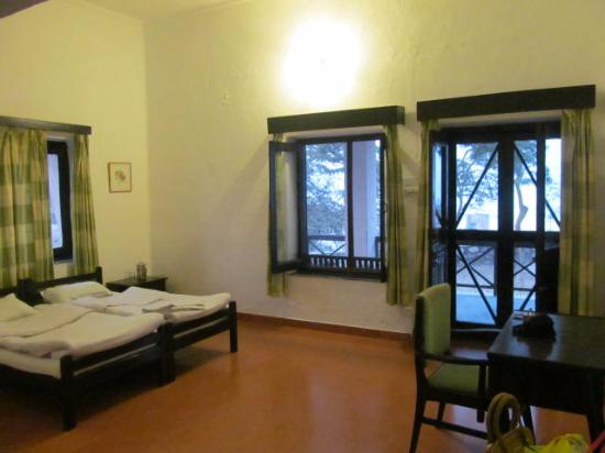 Dhikala Forest Rest House: Hutment Accommodation Room