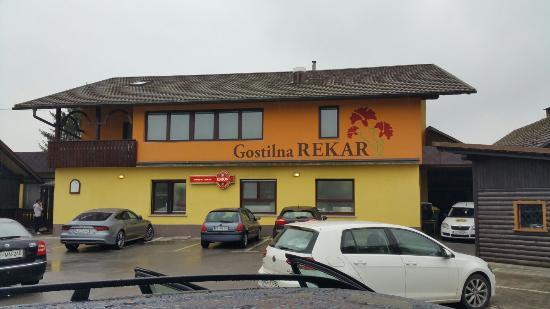 Taverna Rekar