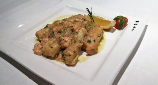 Konoba Primosten: Gnocchi filled with Adriatic shrimps with cream of rosemary