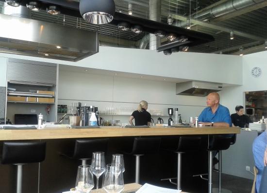Un wok de langoustines photo de espace culinaire for Prix d une cuisine bulthaup