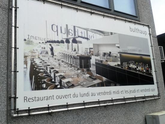 Espace Culinaire Bulthaup : Une présentation industrielle