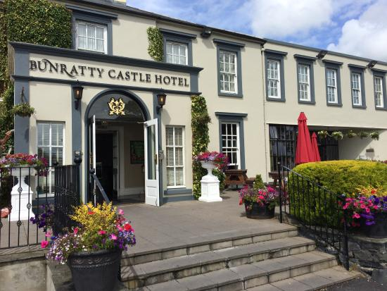 Main Entrance Bunratty Castle Hotel
