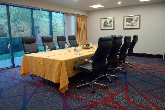 Melville, NY: Executive Conference Room