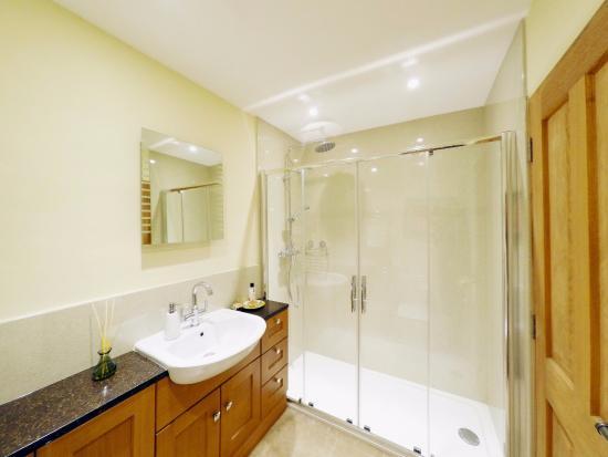 Norfolk, UK: The Bothy Bathroom