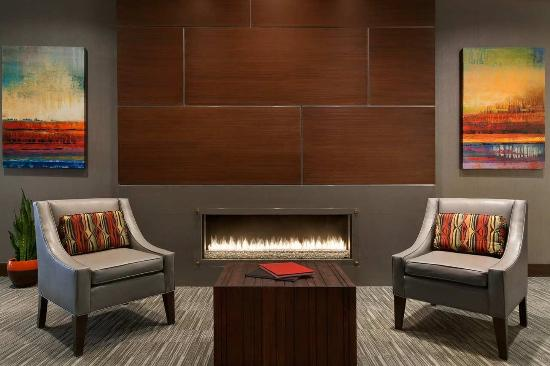 Woodcliff Lake, NJ: Lobby Fireplace Seating