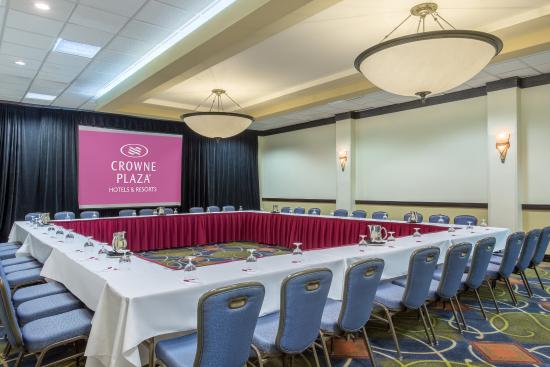 Crowne Plaza Fort Myers at Bell Tower Shops: Cayo Coata Room