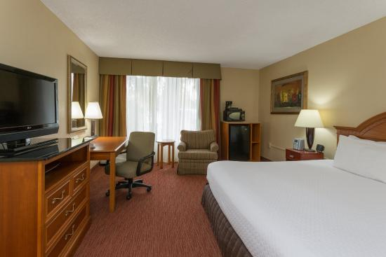 Crowne Plaza Fort Myers at Bell Tower Shops: Wheelchair Accessible King Bed Room
